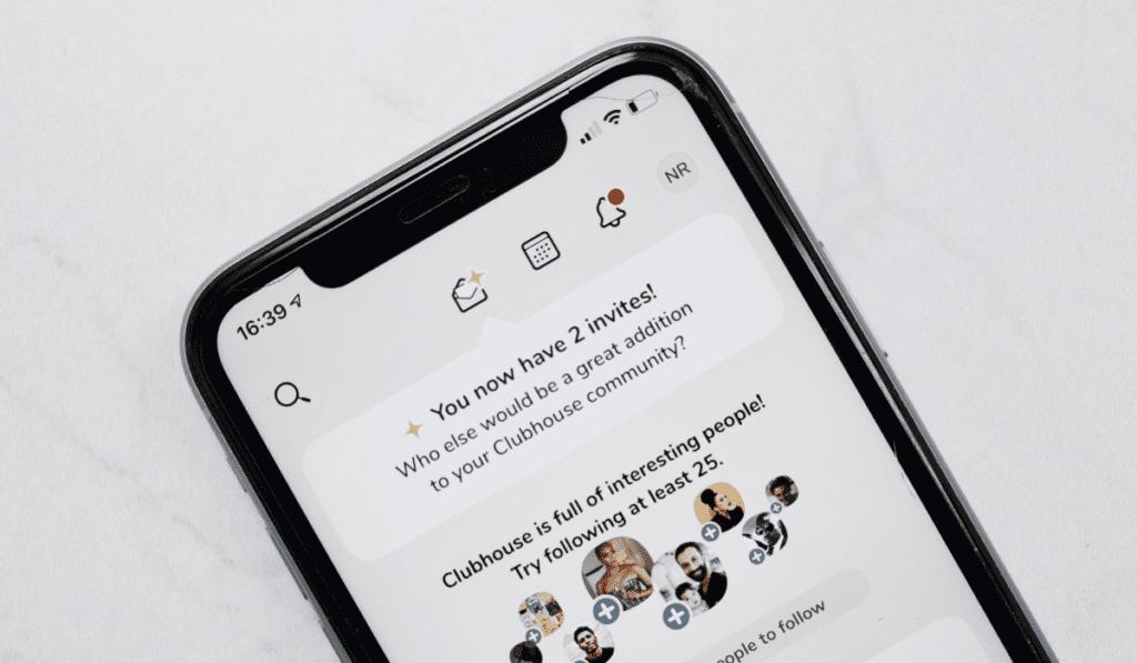 Aplikacja społecznościowa Clubhouse