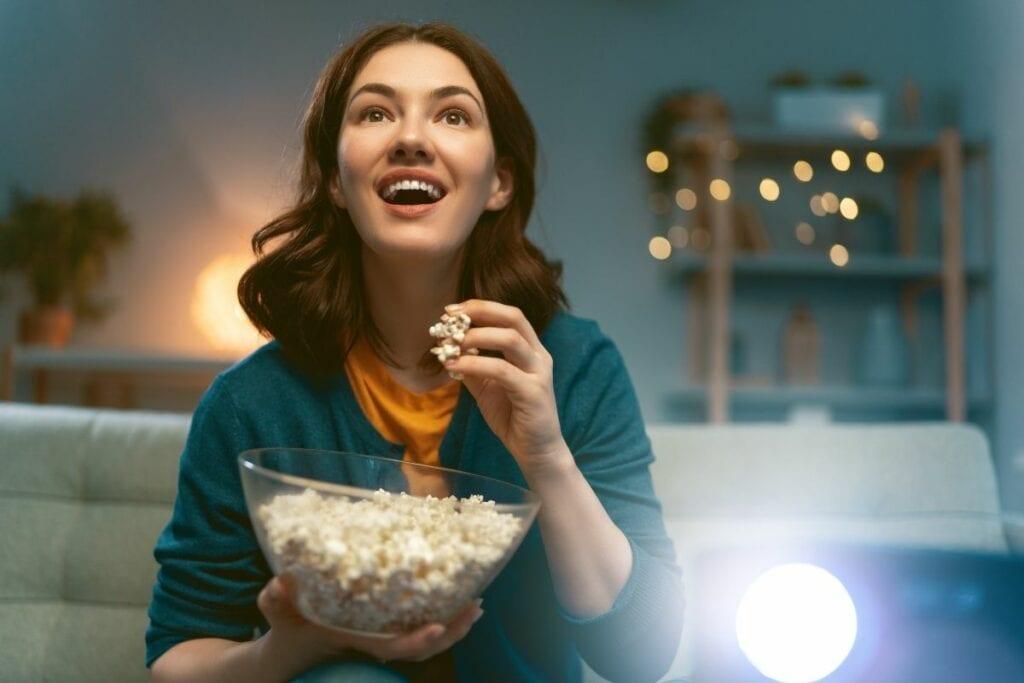 Gdzie oglądać seriale online za darmo - popcorn