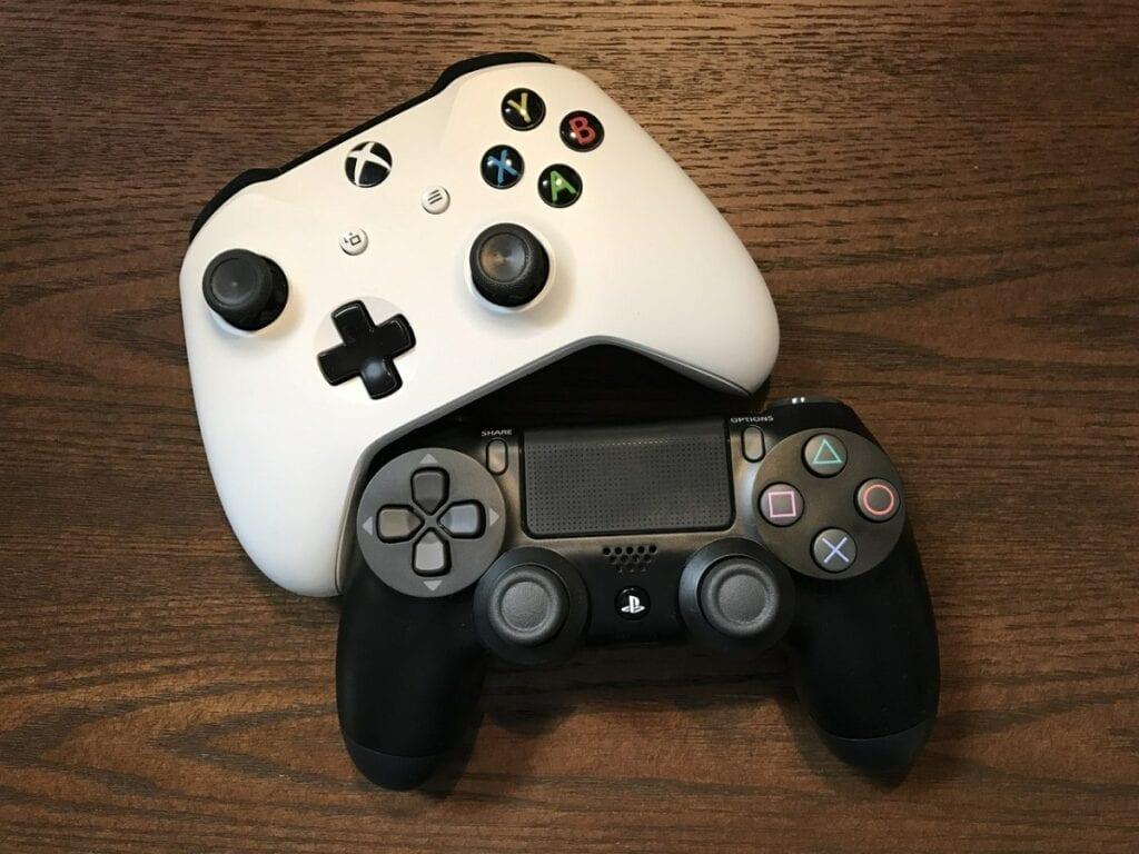 Gry na dwie osoby na PC - gamepady, kontrolery