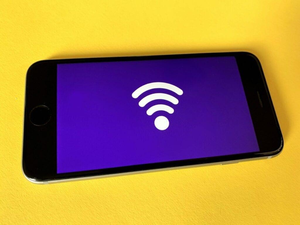 jak udostępniać internet z telefonu - iphone