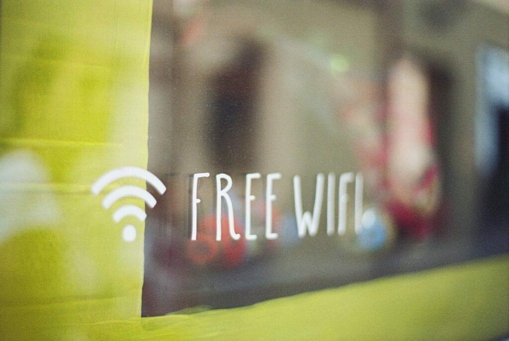 jak udostępniać internet z telefonu - free wifi, hotspot