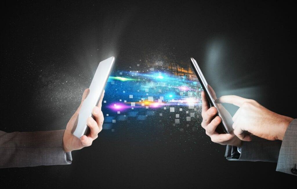 Jak szybko przesłać duży plik - smartfon