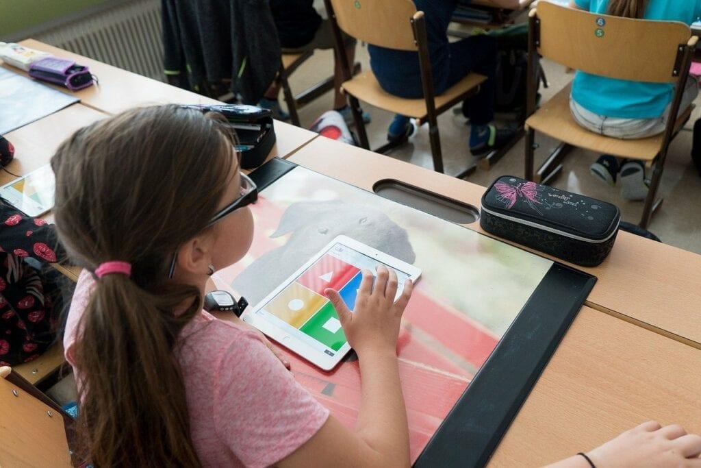 Edukacyjne gry dla dzieci - szkoła