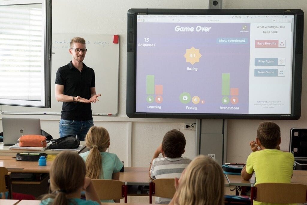 Usługa Google Classroom - nauka szkolna z nauczycielem