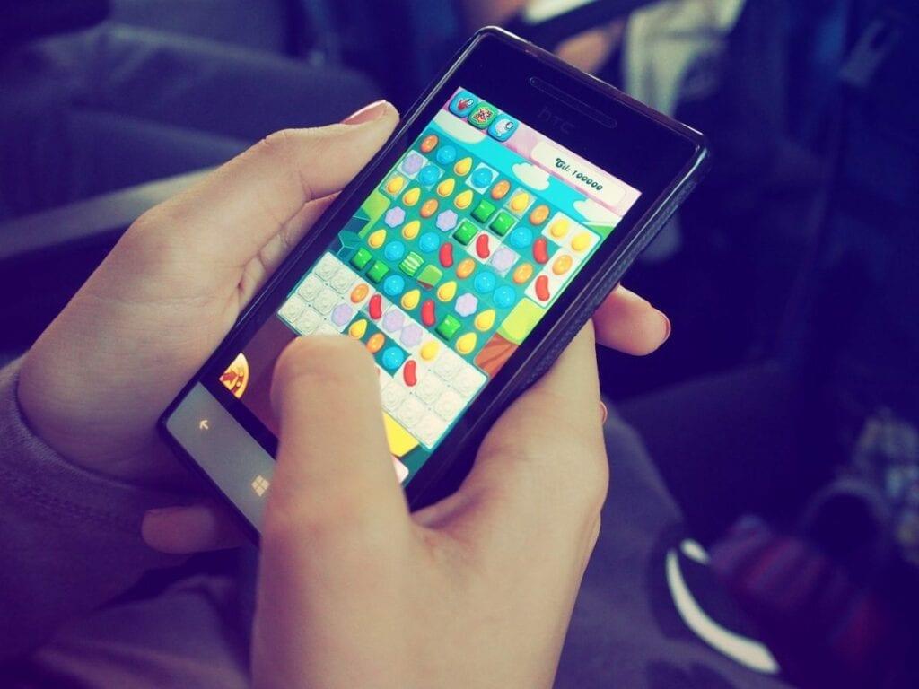 Najlepsze bezpłatne gry mobilne - candy crush saga