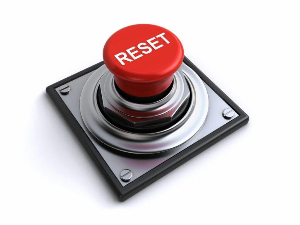 Jak zresetować telefon - reset button