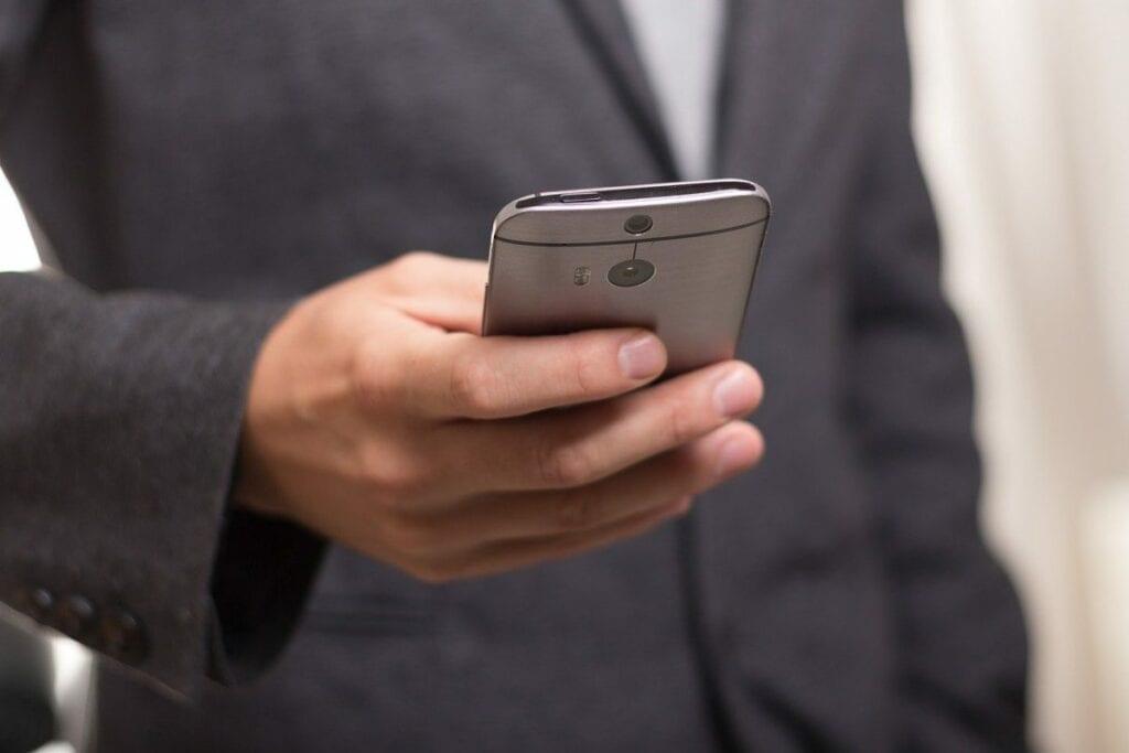 Jak zrootować telefon - sposoby
