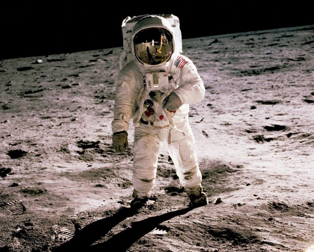 Księżyc - misja załogowa