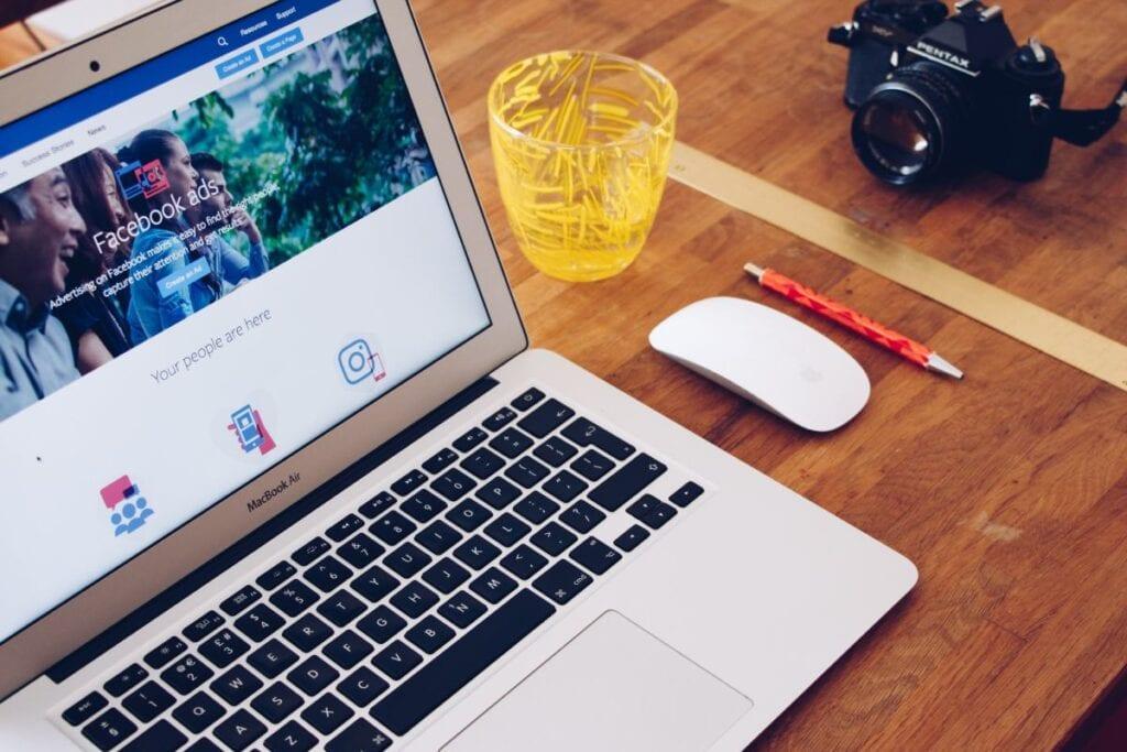 Zmiana daty urodzenia na FB - macbook