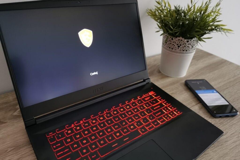 Jak włączyć BIOS w laptopie - MSI