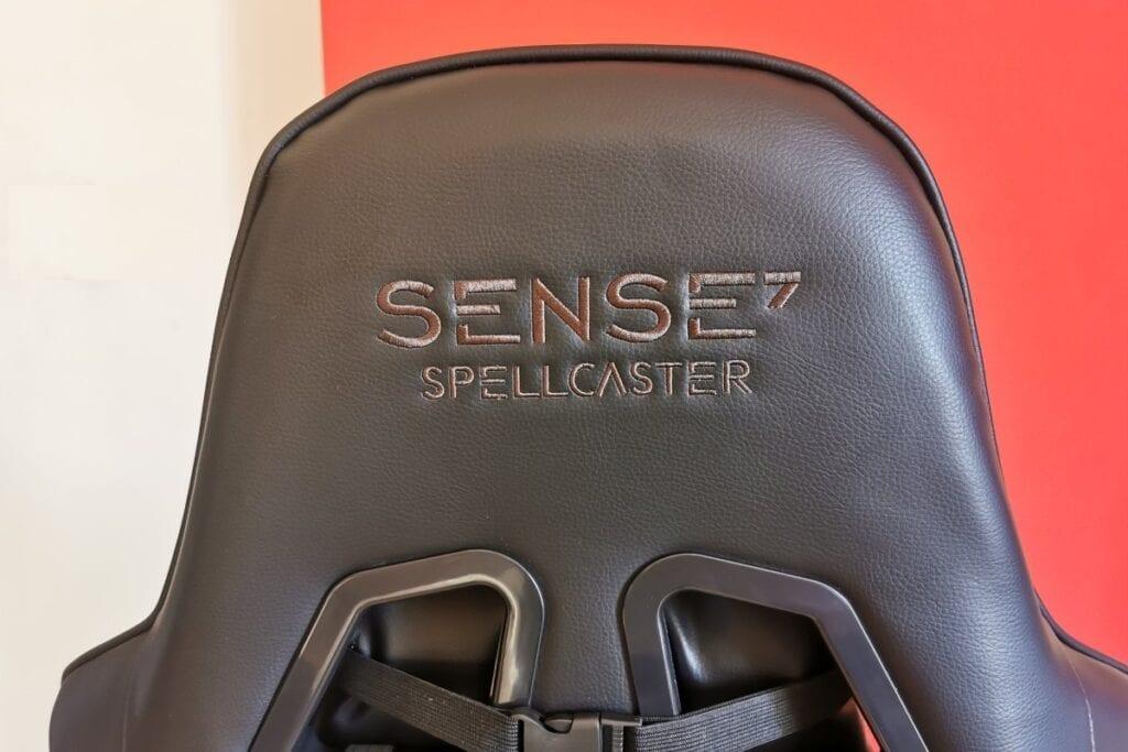 Recenzja SENSE7 Spellcaster - napisy z logo