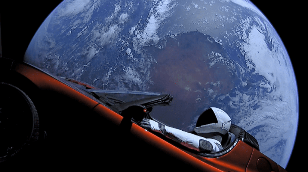 Tesla Roadster za sterami której siedzi Starman