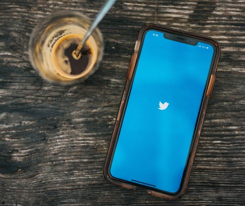 Twitter do porannej kawy