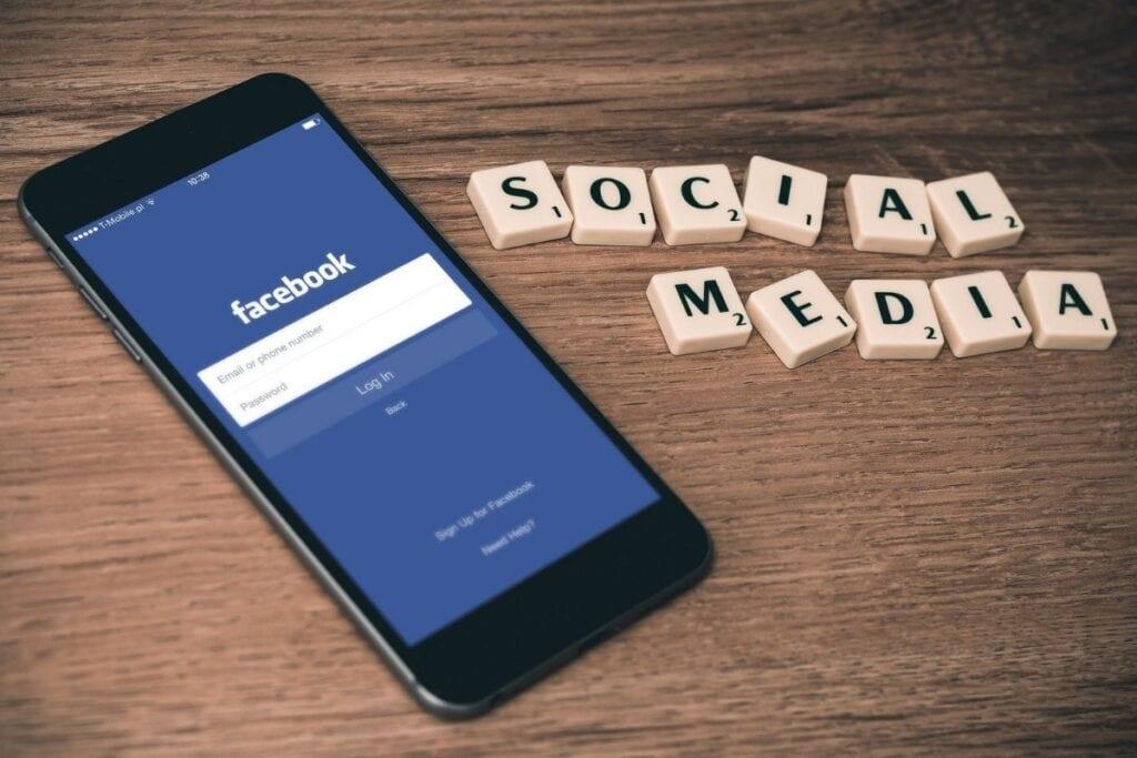 jak zmienić nazwę strony na fb