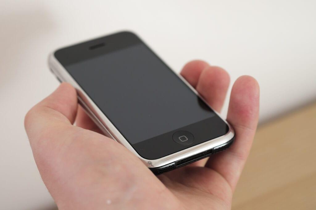 Pierwszy iPhone