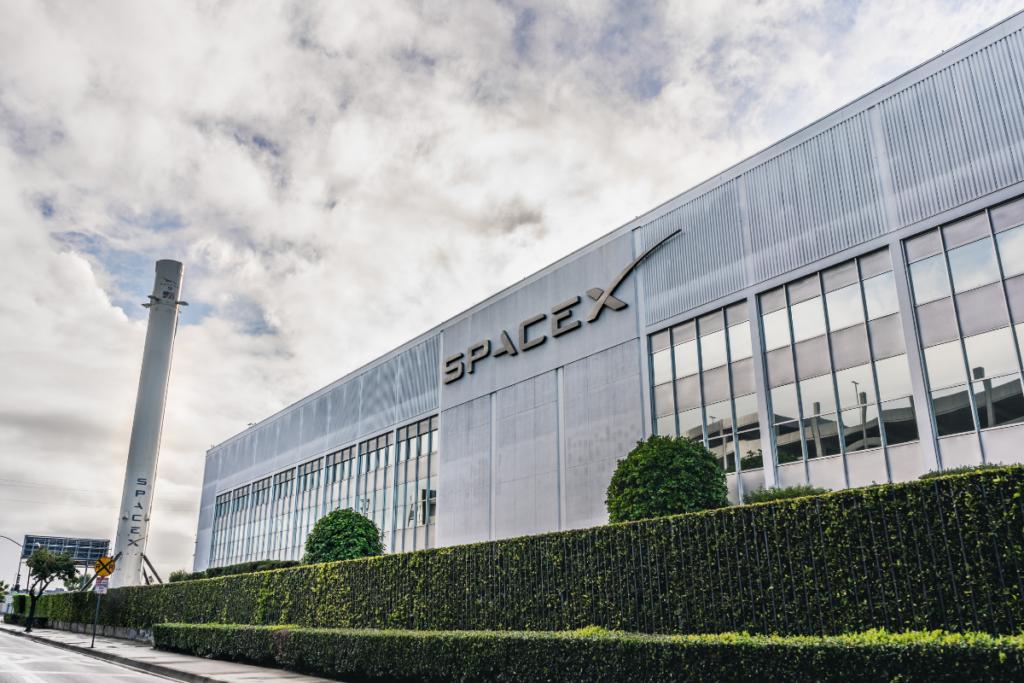 spacex siedziba