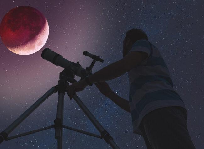 Czerwony Księżyc – co to jest, kiedy wystąpi, co oznacza Wszystko o krwawym księżycu