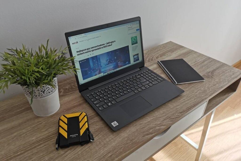 Zwiększanie głośności w laptopie