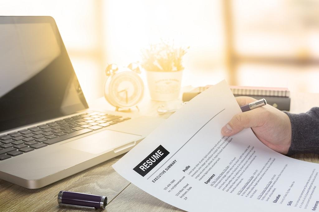 LinkedIn - jak wygenerować CV?