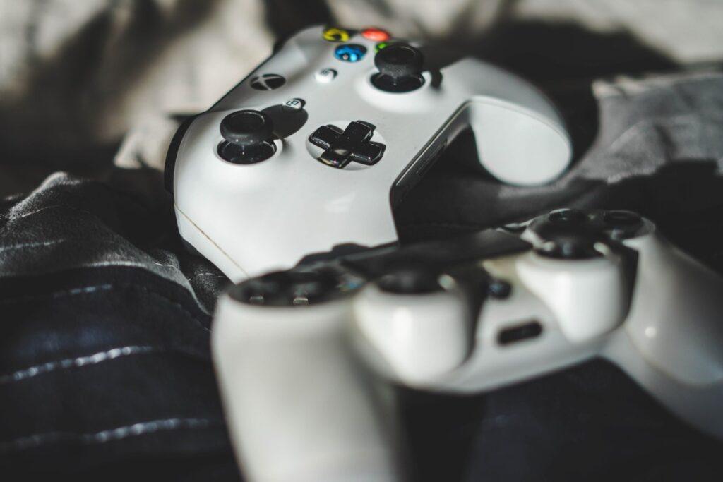 PS4 czy Xbox One pady