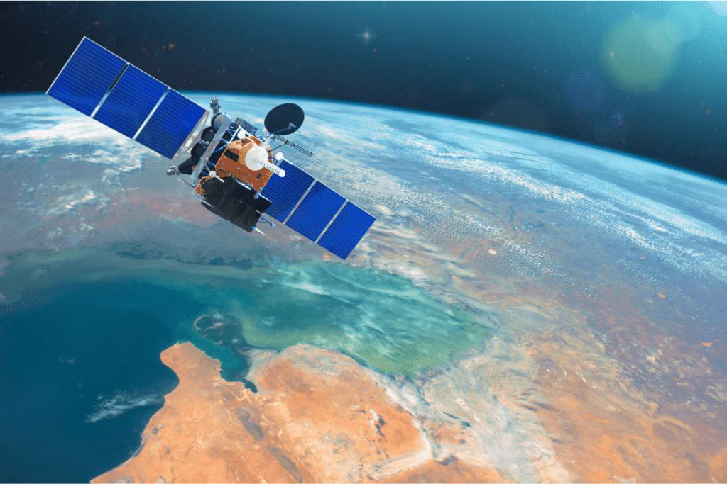 telefon satelitarny - LEO