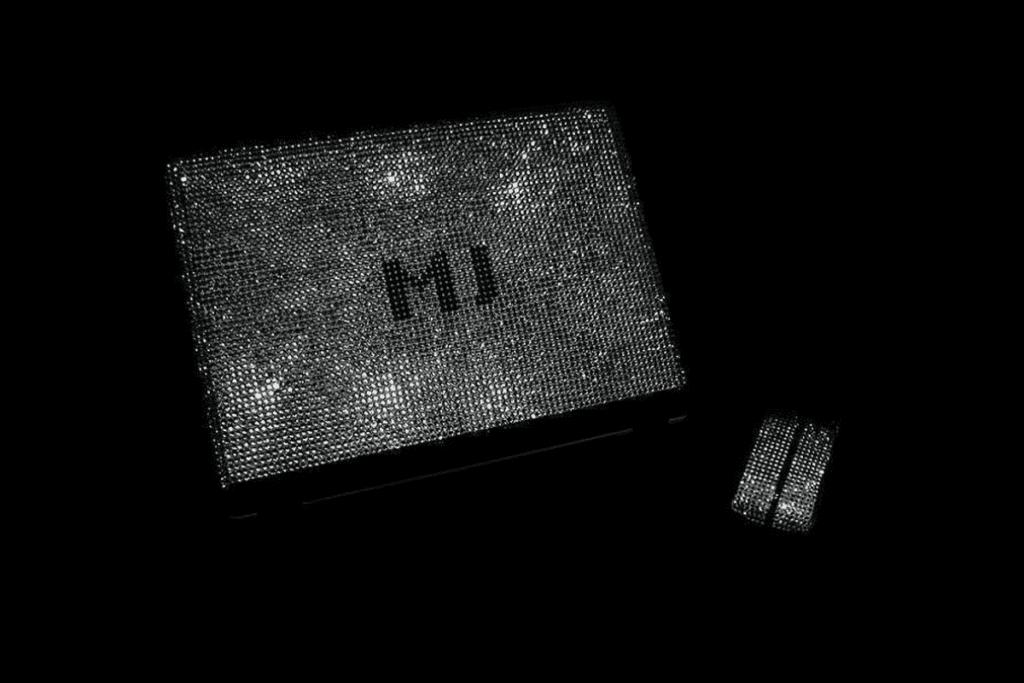 najdroższy komputer - MJ'S Swarovski & Diamond Studded Notebook
