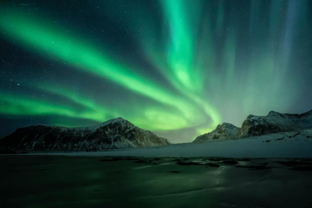 postawanie aurora borealis