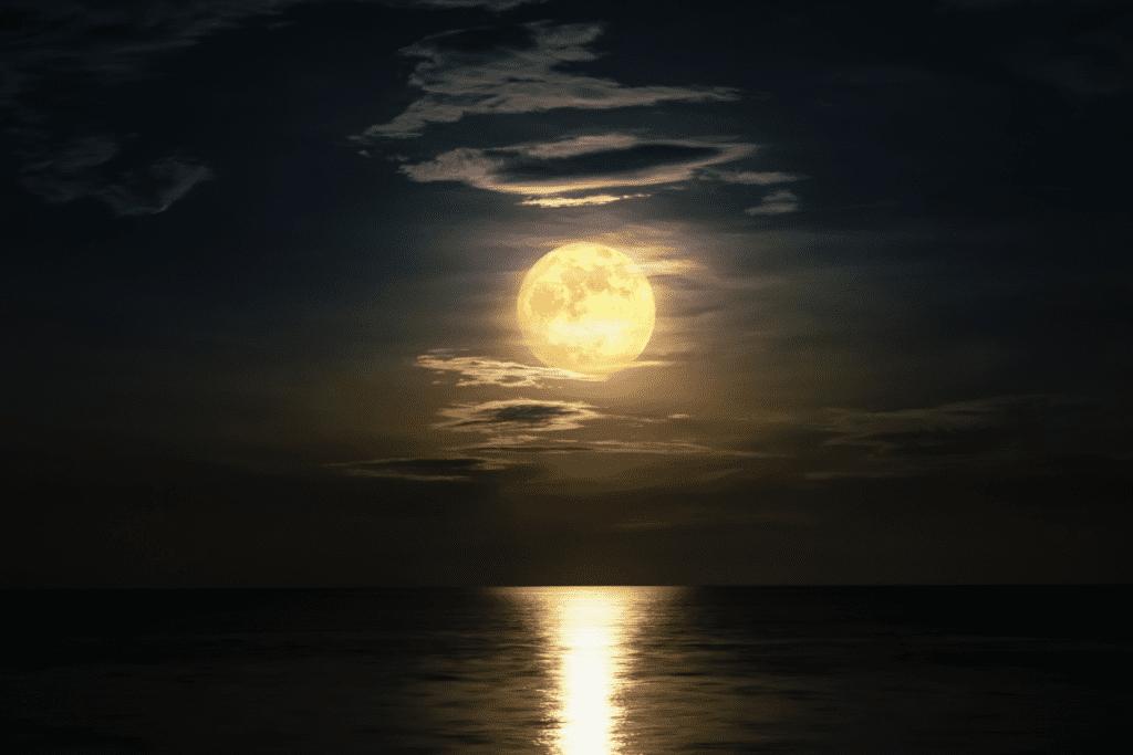 częstotliwość występowania superksiężyca