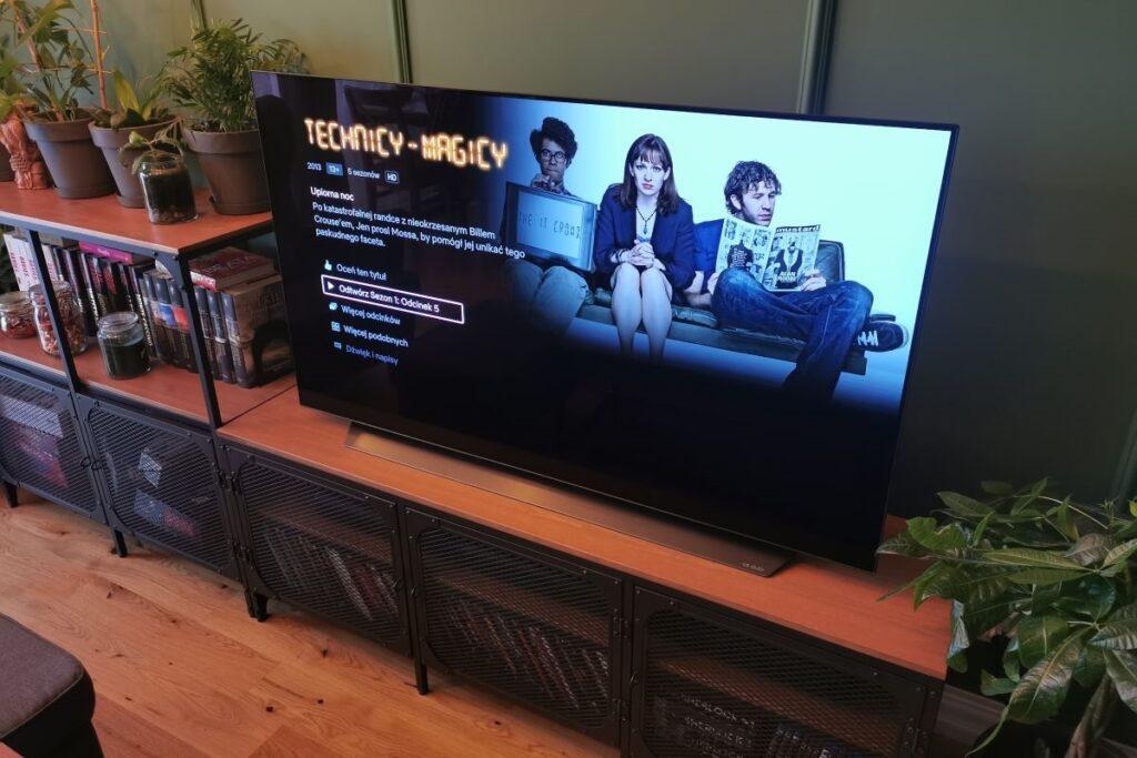 LG OLED telewizor w salonie technicy magicy