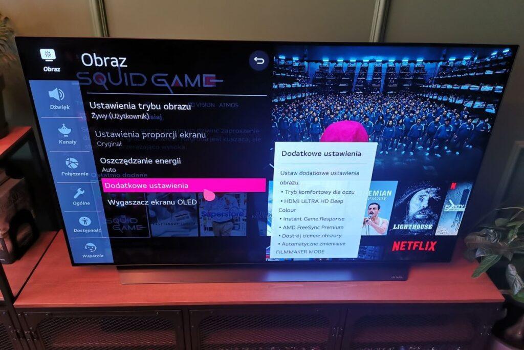 LG OLED telewizor w salonie ustawienia