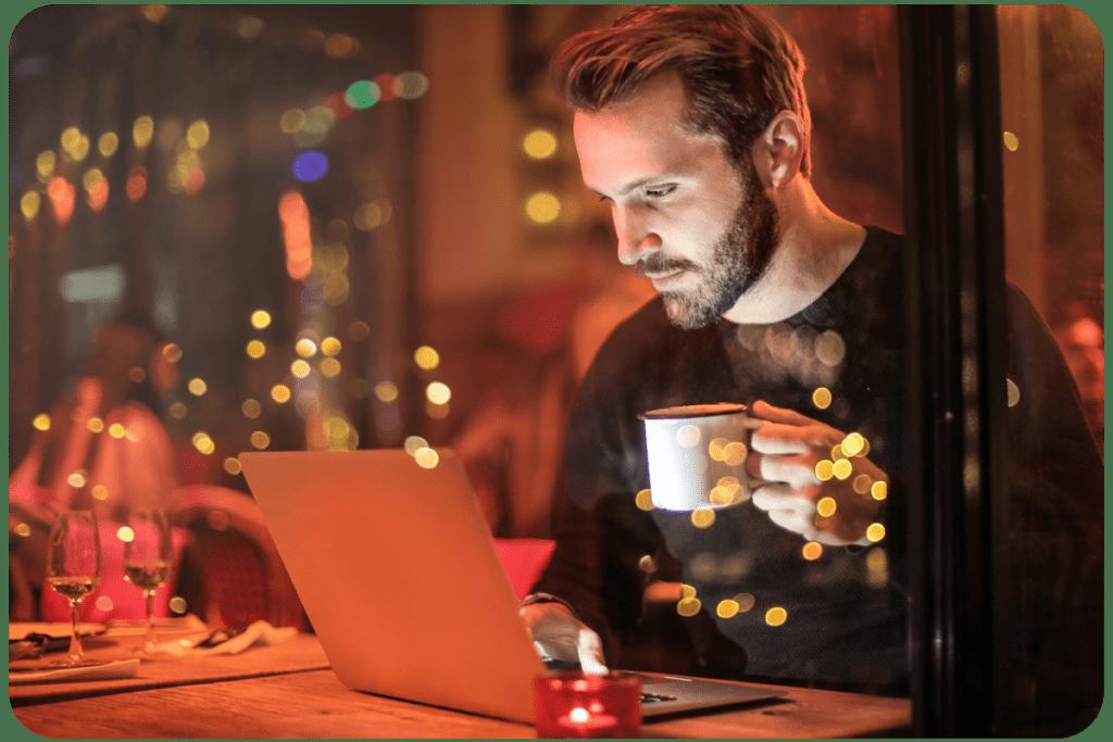 laptop dla studenta ekran dotykowy