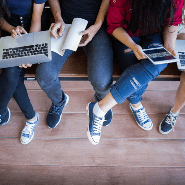 Nauka z tabletem i laptopem
